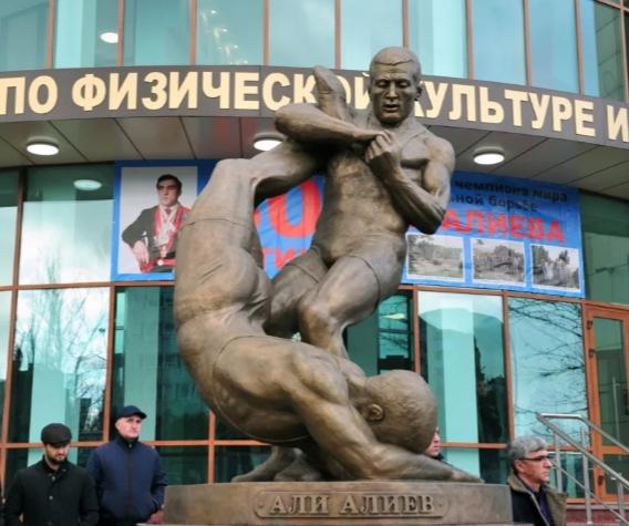 В Республике Дагестан стартовал юбилейный 50-й Международный турнир по вольной борьбе имени пятикратного чемпиона мира Али Алиева