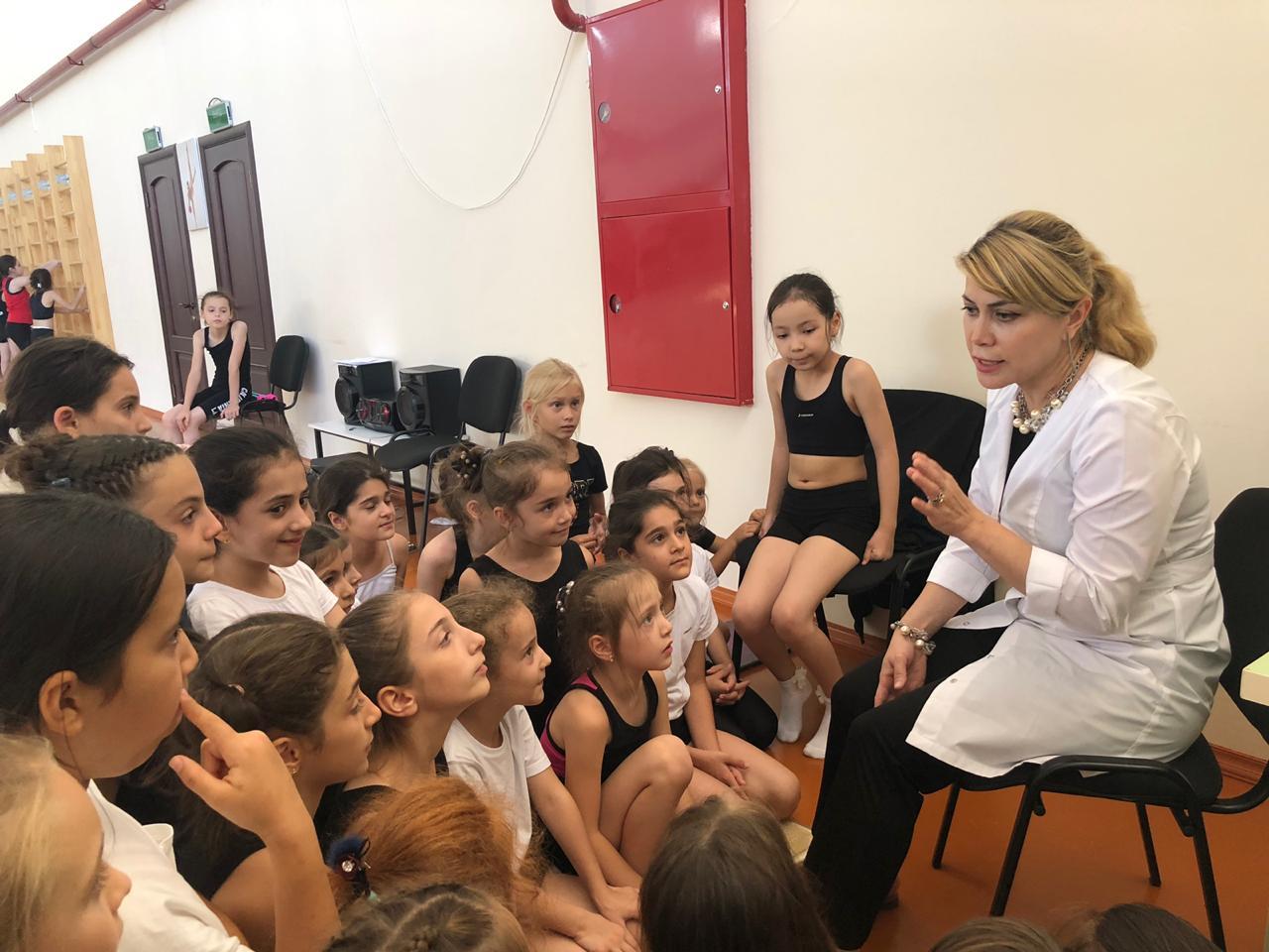 С юными гимнастками провели беседу о репродуктивном здоровье девочек